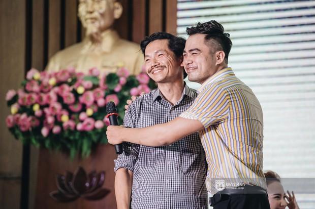 Chuyện tình đam mỹ nóng nhất đêm nay: NSƯT Trung Anh và Trọng Hùng từ bố chồng - con rể trở thành... cặp đôi? - Ảnh 8.