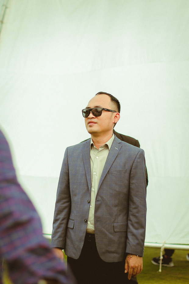Anh Đường Băng vừa bỏ xã đoàn đi nhập hội Thật Tuyệt Vời Khi Ở Bên Em đã dạy Harry Lu kiểu chào hỏi siêu lầy - Ảnh 1.