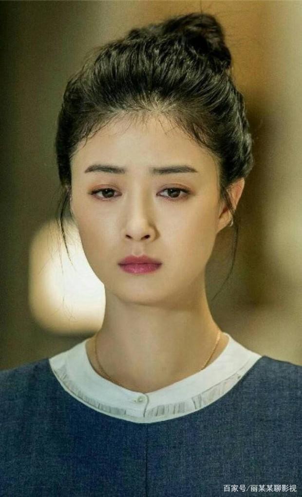 Tưởng Hân: Hoa phi vé vớt sau cái lắc đầu của Phạm Băng Băng, được nhiều người yêu mến nhưng lẻ bóng ở tuổi 36 - Ảnh 18.
