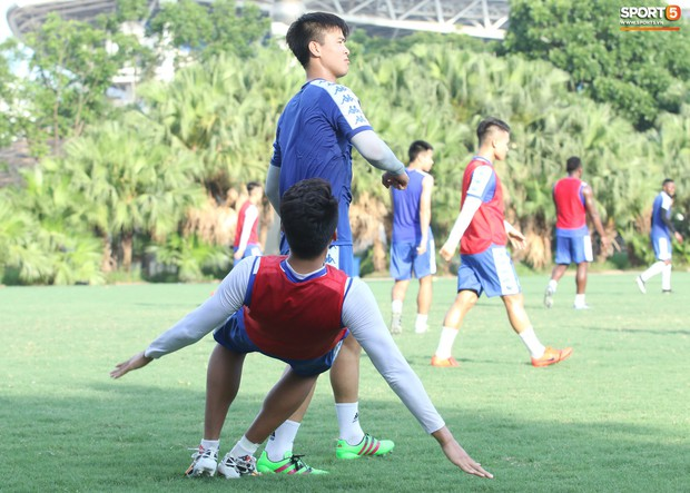 Đúng là Mạnh gắt: Chỉ tập luyện thôi cũng đấm Thành Chung không trượt phát nào - Ảnh 4.