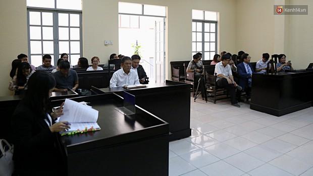 Hoãn xét xử phúc thẩm vụ tranh chấp quyền tác giả truyện tranh Thần đồng đất Việt - Ảnh 2.