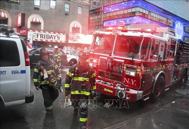 Phi công tử nạn tại New York đã không được cấp bằng lái máy bay trong thời tiết xấu - Ảnh 1.