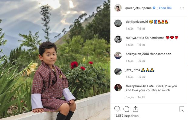 Vương quốc hạnh phúc Bhutan công bố hình ảnh mới nhất của hoàng tử bé khiến nhiều người ngỡ ngàng vì thay đổi quá nhiều - Ảnh 4.