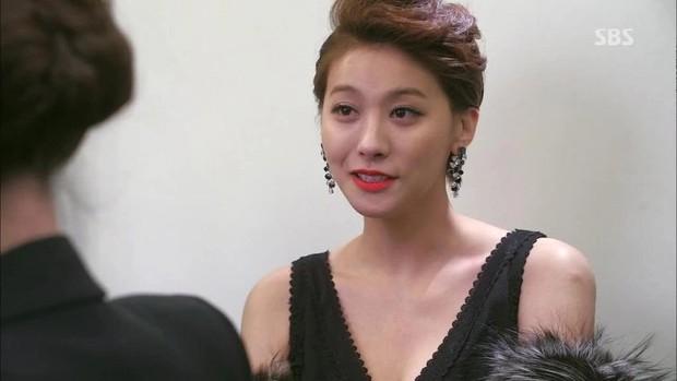 4 người nổi tiếng xấc láo trong phim Hàn hơn cả thí sinh The Voice: Số 3 không may nhận kết đắng! - Ảnh 9.