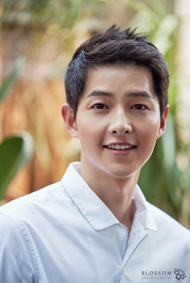 6 diễn viên Hàn đình đám không làm idol đúng là phí hoài: Song Joong Ki tỉa rap, Lee Sung Kyung còn đáng nể hơn - Ảnh 6.