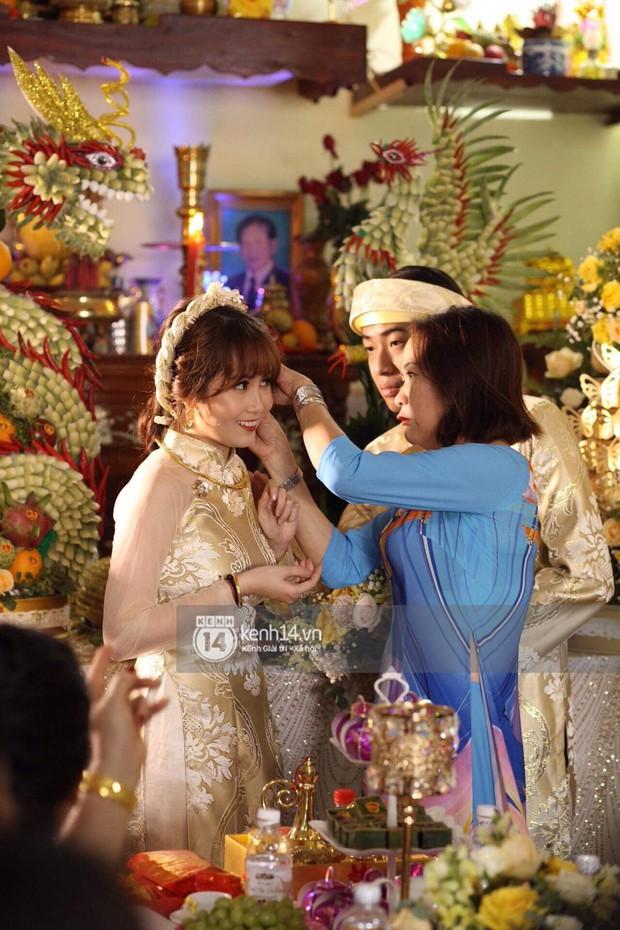 Mai Quỳnh Anh bị soi vòng 2 to bất thường trong đám cưới - Ảnh 3.