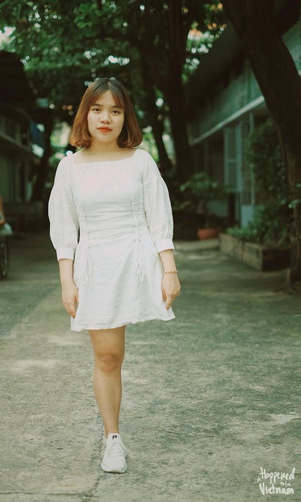 """Câu chuyện cô gái mất 1 chân vì u xương và nghị lực theo đuổi ước mơ ở Sài Gòn khiến nhiều người nhận ra """"Nếu không xoá được quá khứ, hãy tiếp tục với hiện tại"""" - Ảnh 1."""