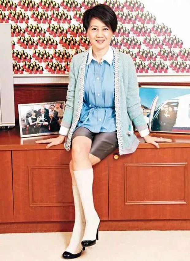 Lọ lem xuất chúng của Macau: Vũ nữ đổi đời thành bà tư gia sản chục ngàn tỷ, khiến trùm sòng bạc phải nể phục - Ảnh 3.
