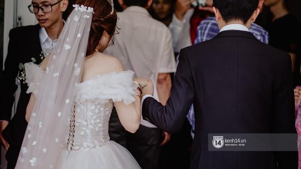 Xem hết một lượt những khoảnh khắc đẹp lịm tim của Cris Phan và Mai Quỳnh Anh: Cái kết đẹp của mối tình Chị ơi, anh yêu em! - Ảnh 6.