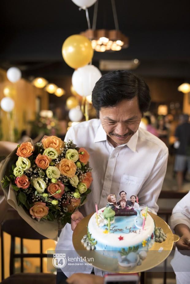 Nghệ sĩ Trung Anh cười hạnh phúc khi được tổ chức sinh nhật trong hậu trường Về nhà đi con - Ảnh 5.