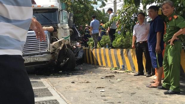 Tạm giữ tài xế container gây tai nạn khiến 5 người tử vong - Ảnh 1.