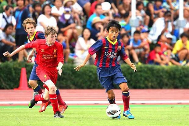 """Lộ diện tân binh bất ngờ sắp cập bến Real Madrid: """"Messi người Nhật"""" từng là nỗi khiếp sợ với hàng thủ U16 Việt Nam và 4 năm tỏa sáng trong màu áo Barcelona - Ảnh 1."""