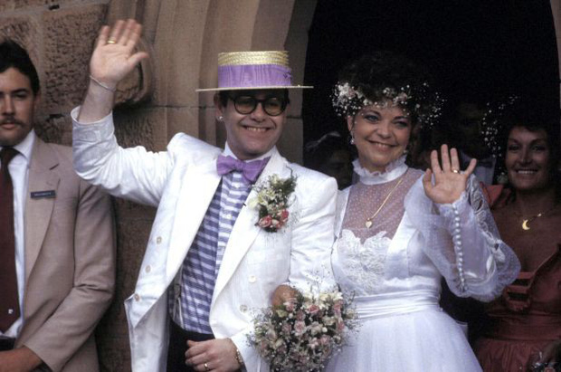 10 tình tiết đúng và sai sự thật giữa Elton John ngoài đời với Rocketman: Số 9 chính chủ gây hoang mang về giới tính - Ảnh 6.