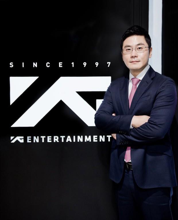 Hạn nhà YG chưa dừng lại: Sau khi bố Yang rút khỏi ghế chủ tịch, em trai cũng từ luôn chức CEO - Ảnh 2.