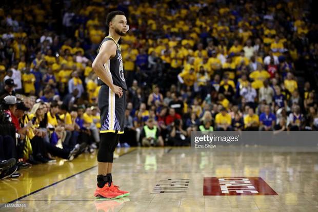 Lật đổ triều đại Warriors ngay tại thánh địa Oracle Arena, Raptors chính thức lên ngôi vô địch NBA - Ảnh 2.