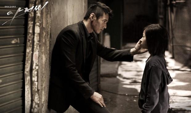 4 phim lật tẩy các băng đảng mai thuý gắt nhất điện ảnh Hàn: Số 2 và 3 bị dán mác 19+ vì quá tàn khốc! - Ảnh 7.