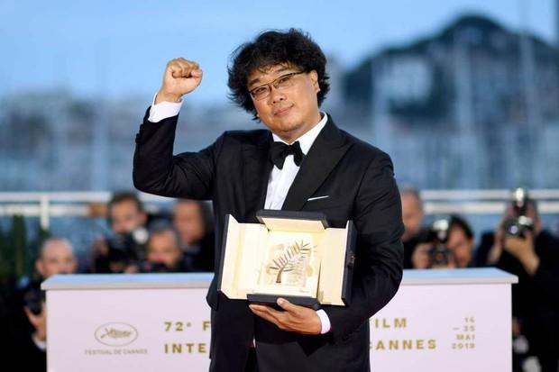 """Đạo diễn Bong Joon Ho tiết lộ lí do nhất định muốn trai đẹp Park Seo Joon trở thành """"thanh niên số hưởng"""" trong Kí Sinh Trùng - Ảnh 1."""