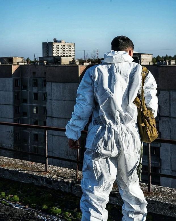 Đến vùng đất chết chóc Chernobyl chụp ảnh sau cơn sốt phim trên HBO, cô gái khiến mọi người nhức mắt vì hành động phản cảm - Ảnh 9.