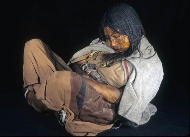 Bí ẩn xác ướp 3 đứa trẻ được chôn từ 500 năm trước, đánh lừa cả các nhà khoa học vì trông chỉ như đang ngủ một giấc dài - Ảnh 6.