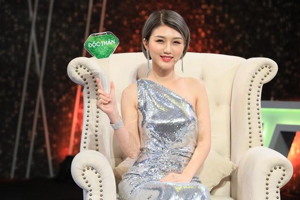 Người ấy là ai: Nữ chính được tỏ tình lãng mạn bởi chàng đạo diễn triệu view của Hòa Minzy, Đức Phúc... - Ảnh 1.