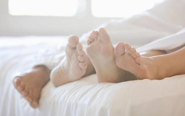 Hội chị em nên cẩn thận với những yếu tố có thể làm tăng nguy cơ mắc bệnh ung thư cổ tử cung sau đây - Ảnh 2.
