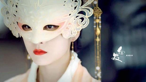 Combo trọn 8 cái khổ gom vừa đủ nữ chính Bạch Phát Vương Phi, cô gái vàng trong làng bị cả thế giới phản bội - Ảnh 6.