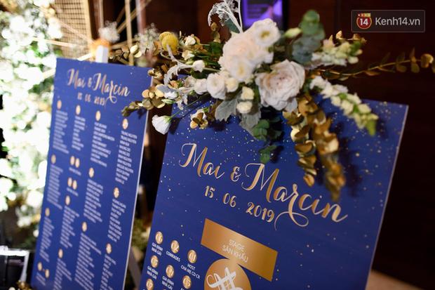 MC Phương Mai khoe ngực đầy, hôn đắm đuối ông xã Tây trong đám cưới hoành tráng tại Hà Nội - Ảnh 12.