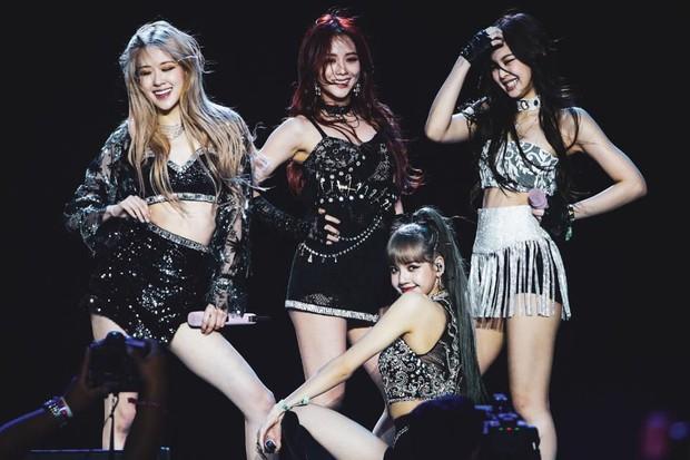 Đau đầu khi lựa chọn sân khấu SBS Gayo Daejun đỉnh nhất của BLACKPINK: Outfit nghìn đô, live tốt, trình diễn đều đỉnh biết chọn năm nào đây? - Ảnh 1.