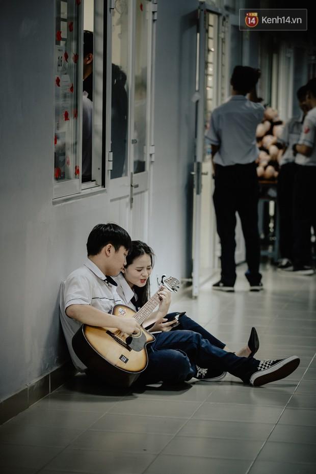 Đêm tri ân đầy nước mắt của trường Gia Định: Khóc vì chúng ta đã có một thời học sinh đầy tươi đẹp - Ảnh 9.