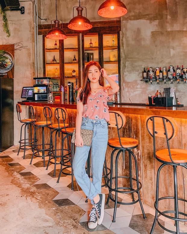 Diện quần jeans vào mùa hè: Sẽ rất đẹp mà không sợ nóng nếu bạn chọn 4 kiểu dáng này - Ảnh 2.