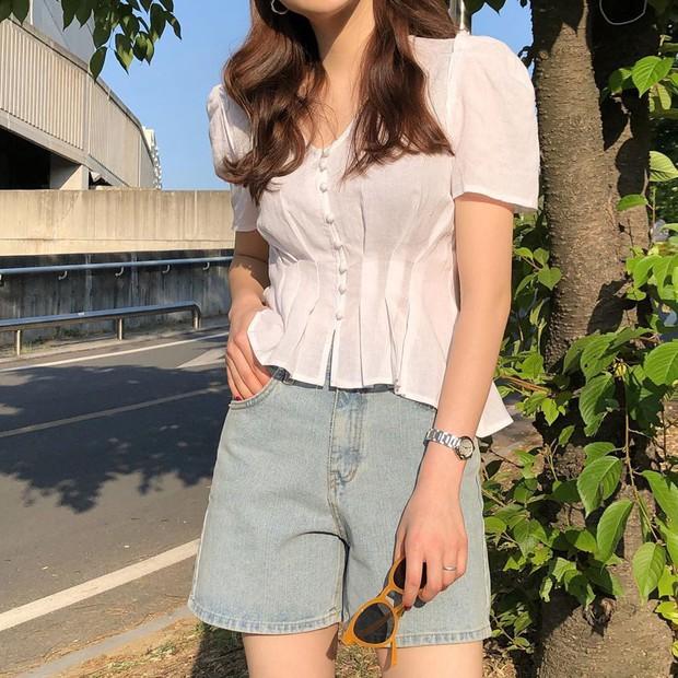 Diện quần jeans vào mùa hè: Sẽ rất đẹp mà không sợ nóng nếu bạn chọn 4 kiểu dáng này - Ảnh 15.
