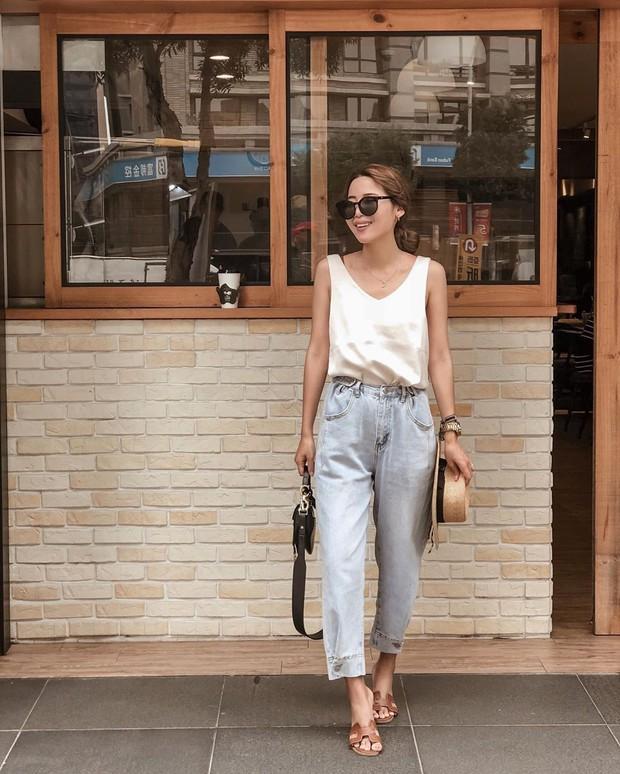 Diện quần jeans vào mùa hè: Sẽ rất đẹp mà không sợ nóng nếu bạn chọn 4 kiểu dáng này - Ảnh 4.