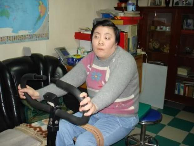 Vụ đầu độc bí ẩn chấn động Trung Quốc: Cô sinh viên ưu tú bỗng chốc trở thành đứa trẻ bại liệt, sau 25 năm vẫn không bắt được kẻ hạ độc - Ảnh 8.
