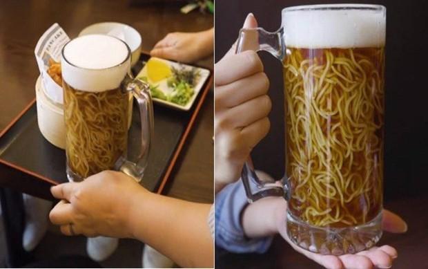 Không chỉ có bia trân châu kỳ dị mới xuất hiện, từng có món mì ramen trong bia cũng khiến dân tình kinh ngạc - Ảnh 10.