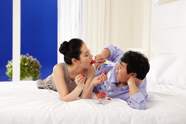 Cuộc hôn nhân phim giả tình thật đáng ngưỡng mộ của Han Ga In: Một lần hợp tác, dính voucher phu thê cả đời - Ảnh 12.