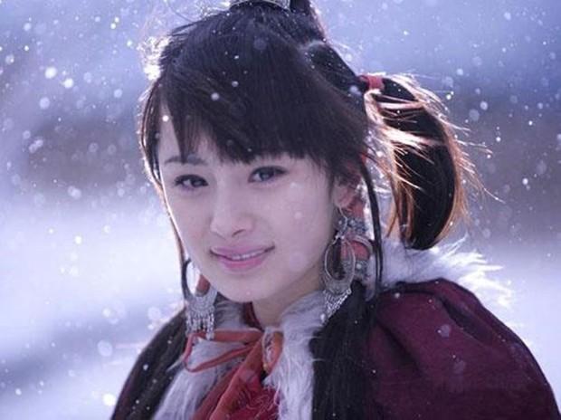 4 chị em họ Dương cùng cha khác ông nội của làng phim Hoa Ngữ: Người tình duyên lận đận, kẻ bất tài nhưng vẫn nổi bất chấp - Ảnh 2.