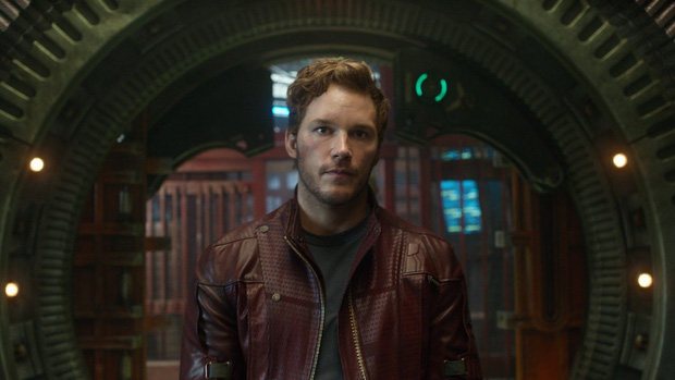 Ngạc nhiên chưa? Trước khi làm Thor salad, Chris Hemsworth từng dọn dẹp máy bơm ngực cho chị em - Ảnh 10.