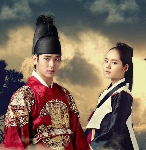 Cuộc hôn nhân phim giả tình thật đáng ngưỡng mộ của Han Ga In: Một lần hợp tác, dính voucher phu thê cả đời - Ảnh 5.