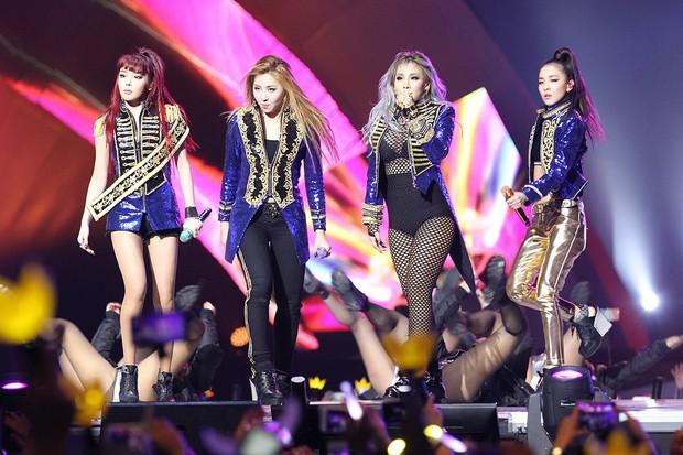 """10 idolgroup có tổng view Youtube """"khủng"""" nhất: BLACKPINK lập kỉ lục Kpop nhưng có hạ bệ nổi BTS? - Ảnh 5."""