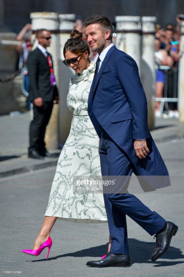 Thần thái vợ chồng Beckham áp đảo toàn bộ khách mời đến dự đám cưới xa hoa của đội trưởng Real Madrid - Ảnh 5.