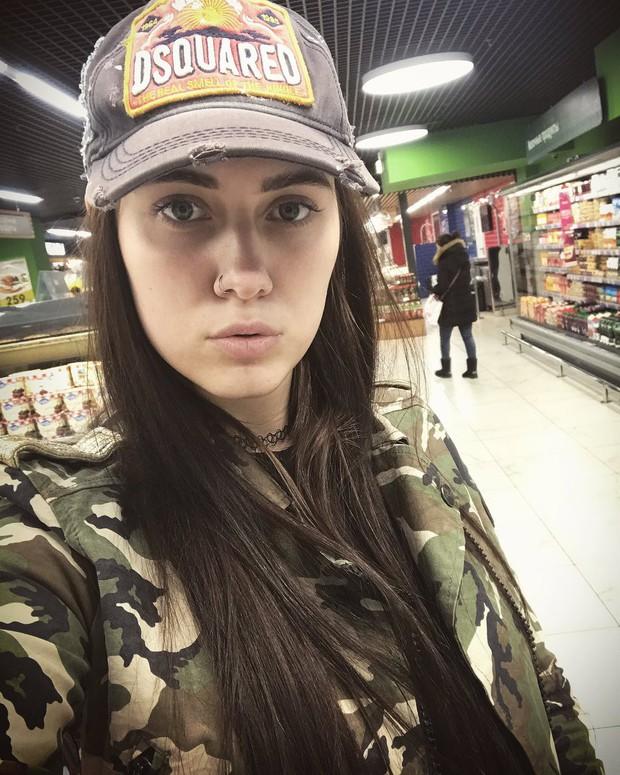 Nga: Cựu nữ game thủ Dota2 xinh đẹp chết bí ẩn trong tình trạng khoả thân - Ảnh 2.