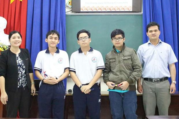 Tâm thư thầy giáo Tiền Giang gửi cho học trò lớp 12: Kiến thức thầy truyền đạt hết rồi, việc còn lại là của các em... - Ảnh 2.