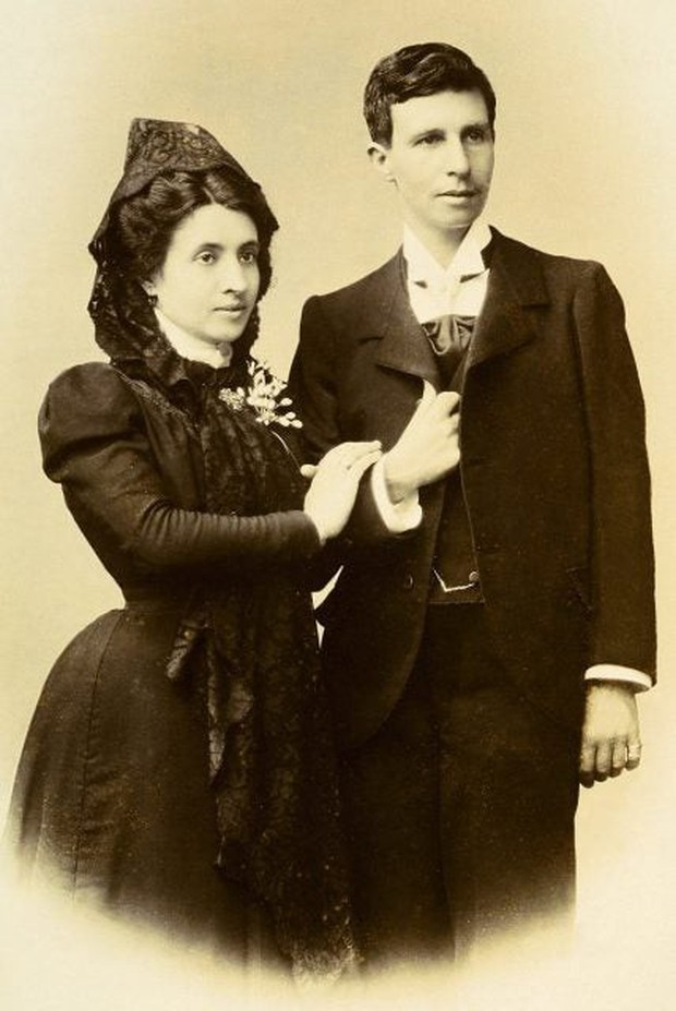 Cuộc hôn nhân đồng tính nữ đầu tiên trong lịch sử: Cặp đôi lừa cả thế giới để được danh chính ngôn thuận là vợ chồng - Ảnh 2.