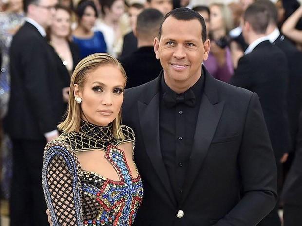 Jennifer Lopez rục rịch chuẩn bị đám cưới lần thứ 4 ở độ tuổi 50 - Ảnh 2.