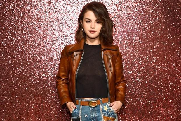 Lý do gì khiến Selena Gomez xoá ứng dụng Instagram dù follow cao top đầu thế giới? - Ảnh 1.
