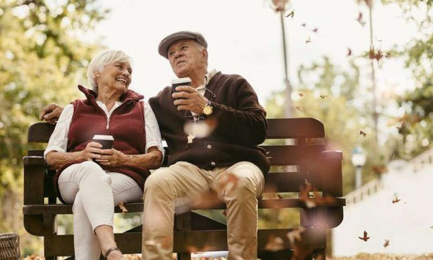 Cuối cùng khoa học cũng biết: Tại sao phụ nữ luôn sống thọ hơn nam giới? - Ảnh 1.
