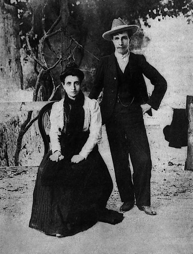 Cuộc hôn nhân đồng tính nữ đầu tiên trong lịch sử: Cặp đôi lừa cả thế giới để được danh chính ngôn thuận là vợ chồng - Ảnh 3.