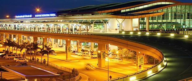 Sân bay Tân Sơn Nhất sắp chính thức ngưng sử dụng loa phát thanh để thông báo. Mách bạn một vài tips hay ho làm quen với điều này để không bị trễ giờ bay nhé - Ảnh 1.