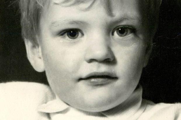 Dù bị mẹ chia cắt từ nhỏ, chị gái vẫn gặp lại em trai đầy cảm động sau 30 năm tìm kiếm - Ảnh 3.