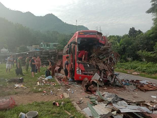 Vụ tai nạn thảm khốc ở Hòa Bình: Lái xe gần 20 năm, chưa bao giờ tôi trải qua cảm giác kinh hoàng đến thế - Ảnh 4.